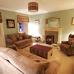 To add to your comfort we have a guest sitting room overlooking the garden, which is stocked with an interesting range of books and board games. On co