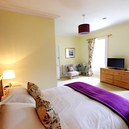 One of our spacious double bedrooms with ensuite facilities at The Old Manse Bed and Breakfast Kildary